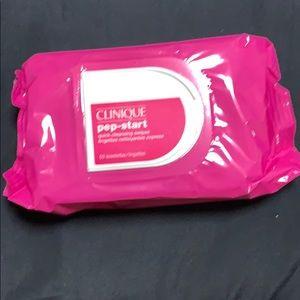 Clinique Makeup - Clinique Makeup Wipes (50 sheets)